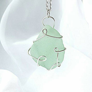 sea glass necklace, beach necklace, beach jewelry, green necklace, sea foam, wire wrap necklace, sea glass pendant, pendant necklace, boho