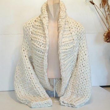 Chunky knit shrug crop cardi cardigan sweater deep shawl collar long sleeves women medium large rich cream