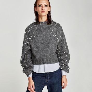 CROPPED SWEATER WITH FAUX PEARLS DETAILS