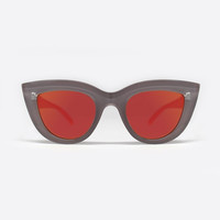 QUAY KITTI SUNGLASSES IN COFFEE