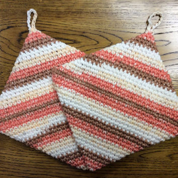Cotton pot holders, set of 2 pot holders, hand crochet, gift idea, Mother's Day gift, shower gift, game prize,