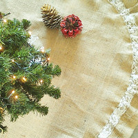 "Christmas Tree Skirt - Burlap Tree Skirt - Christmas Decoration - Rustic Tree Skirt - 46""- 60"" Diameter - Choose your diameter"