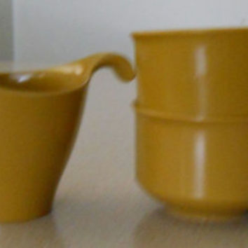 Lenox Ware Melmac / Melamine Tea Coffee Mug Cups Creamer Serving Set / Mid Century Vintage 50s Mod / Gold Mustard Yellow