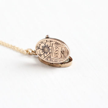 Dating vintage necklaces