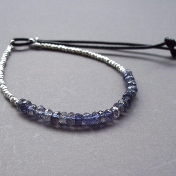 Silver yoga bracelet, Petite beaded friendship bracelet with adjustable closure, Blue hippie bracelet