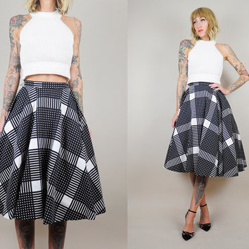 PLAID vtg 50's CIRCLE SKIRT Bombshell Black & White Tartan Full Sweep High waist Autumn xs