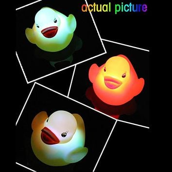 Baby Bath Toy Multi Color LED Lamp Light Yellow Duck Baby Bathing Toy Flashing Light Toy for Kids Children Party Christmas Decor