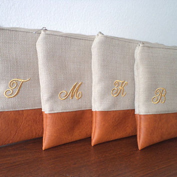 Bridesmaid Clutches / Set of 4 Bridesmaid Gifts / Personalized Wedding Clutches