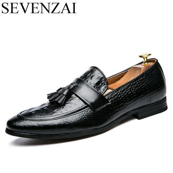 men winter italian fashion snake skin brogue leather oxford tassel slip on pointed toe shoes designer male formal cool footwear
