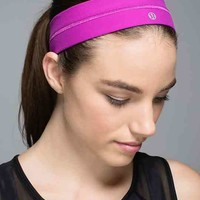 fly away tamer headband | women's accessories | lululemon athletica