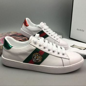 Gucci Woman Fashion Tiger Embroidery Flats Shoes Sneakers Sport Shoes