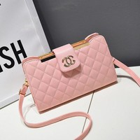 Chanel Trending Ladies Stylish Metal Logo Handbags Shoulder Bag Inclined Shoulder Bag Pink I