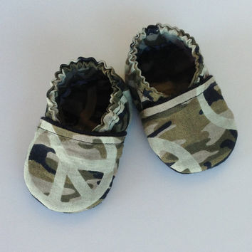 Baby Boy Bootie Crib Shoe Slipper Camo Black Sunjunki Jr.