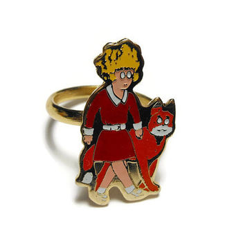 Orphan Annie ring, gold tone, with Sandy, adjustable, classic comic strip  (1974 New York News)