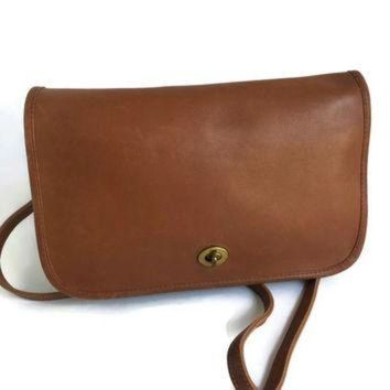 Vintage Coach Bag Convertible Clutch British Tan Leather Shoulder Bag Removable Strap - Beauty Ticks