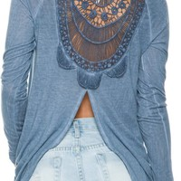 OTHERS FOLLOW TRINKET CROCHET LS TEE
