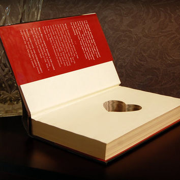Hollow Book Safe with Heart (Twilight)