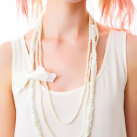 Western Fashion Dripping in Pearls Necklace White One