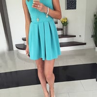 Solid Sleeveless Pleated Dress