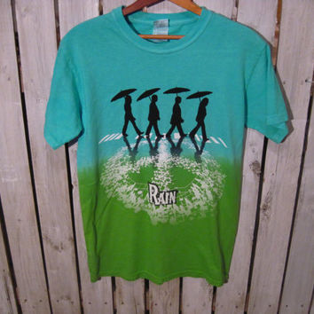 Rain T-Shirt, Beatles on Abbey Road with Umbrellas, Peace Sign, Size Small, Very Cool!