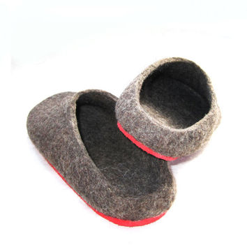 Mens Organic Wool Slippers, Woolen Clogs, Rubber Soles, Handmade Brown Wool Clogs, Felted Wool Slippers Gifts for Him Father Dad Gift Trends