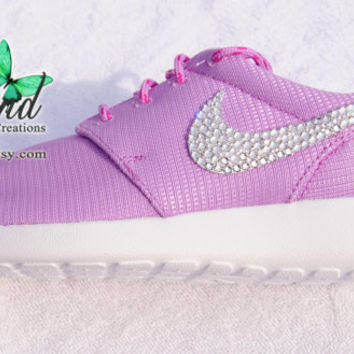 NEW!!  Blinged Fuchsia Glow Girls' / Women's Nike Roshe Run