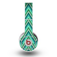 The Vibrant Green Sharp Chevron Pattern Skin for the Original Beats by Dre Wireless Headphones
