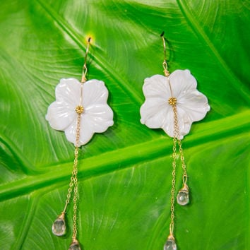 KAMERA Shell Flower Earrings - White