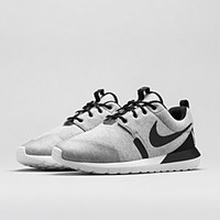 The Nike Roshe Run NM W Men's Shoe.