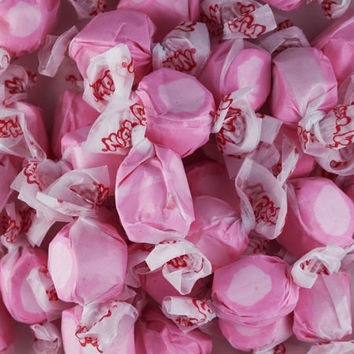 Bubble Gum Salt Water Taffy 1/2 lb