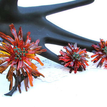 Funky Jewelry Set, Autumn Colored Lucite Floral Brooch and Earring Set, Gift for Her, Spider Mum Brooch and Earrings, laslovelies
