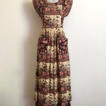 Vintage 70s 'Sujon' floral printed patchwork boho cotton maxi dress with quilted bodice, patch pockets and tie back waist / Made in England