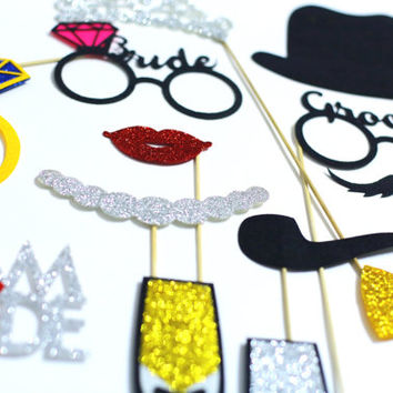 30 piece Wedding Photobooth Props. FELT and GLITTER photo booth props. Wedding Photo Booth Props. Wedding Decorations. Wedding photo props