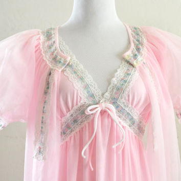 1950s Peignoir Robe and Gown Like New Pink Chiffon Size Large Deena