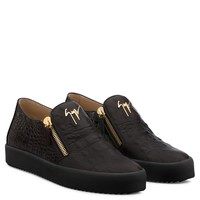Giuseppe Zanotti Gz Shane Brown Crocodile-embossed Leather Slip On Sneaker