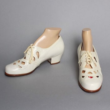 40s 50s Cream OXFORDS / Cut Out Leather SHOES, 10