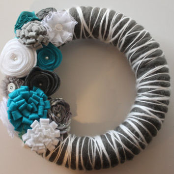 Winter Wreath, Christmas Wreath, Holiday Wreath, Front Entrance Wreath, Front Door Wreath, Silver, Grey, White, Christmas