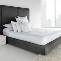 Simply Vera Vera Wang Solid Quilted Coverlet (White)