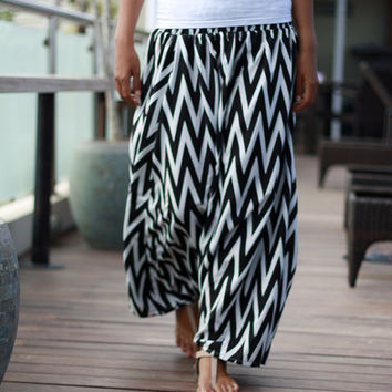 Harem Pants Skirt in Black and White Chevron, Woman Harem Pants, Summer Skirt Pants