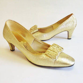 50s Metallic Gold Pumps by The American Girl Shoe, Size 8 AA Narrow