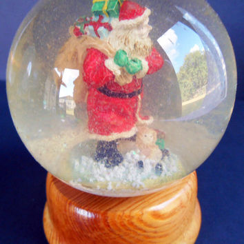 Vintage Old World Santa Snow Globe, Hard Wood Turned Base, Made in Taiwan, Christmas Keepsake, Glass Ball