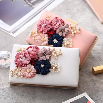 New Women Evening Bags Clutch Fashion Design Single Side Flower Ladies Evening Bag Day Clutches Rhinestones Female Wedding Bag