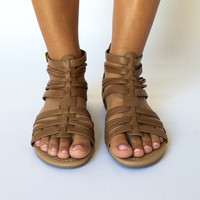 Palm Desert Strappy Sandals In Tan