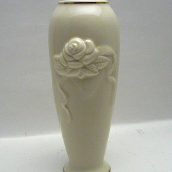 Lenox Rose Blossom Bud Vase Ivory China with 24K Gold Trim Cream Color Small Vase