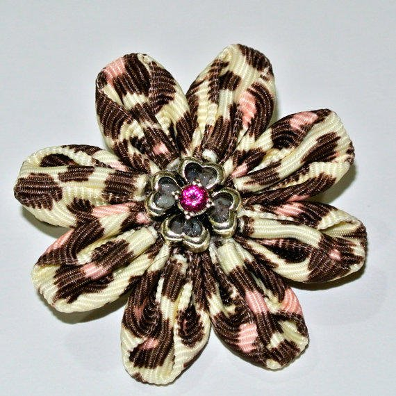 Pink center cheetah print daisy kanzashi hair flower