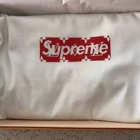 Supreme LV  BOX LOGO mens t-shirt. Size L Louis Vuitton