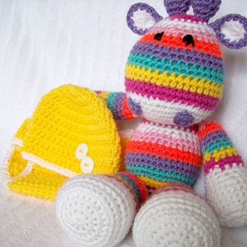 Baby Shower Gift Set, Baby Diaper Cover Set and crochet Giraffe Stuffed Animal in Rainbow Stripes, Giraffe Plush (MADE TO ORDER)