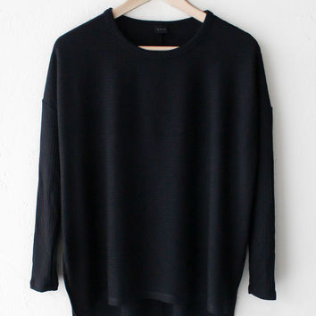 Relaxed Knit Long Sleeve Top