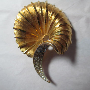 Signed Sophisticated Conservative Swirl Pin Florentine & Shiny Signed BSK Brooch Fancy Encrusted Rhinestone