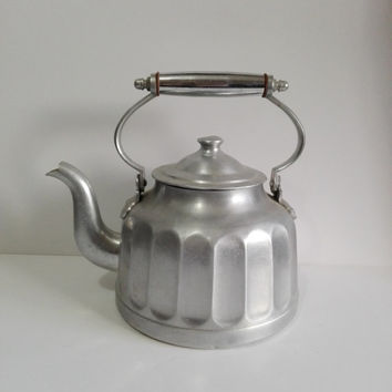 Vintage French teapot  in  faceted aluminium.shabby chic.